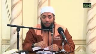 Shalat Tahajjud Sebaiknya Suaranya Dikecilkan atau Dikeraskan - Ustadz Dr. Khalid Basalamah, M.A