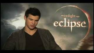 Taylor Lautner Workout - Talks About Work Out Routine.mp4