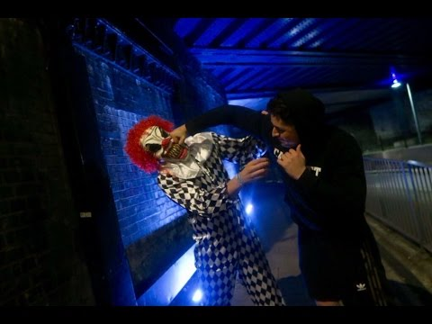 (WHY NOT TO PRANK😭😱) EXTREME KILLER CLOWN PRANK GONE WRONG *PUNCHED*