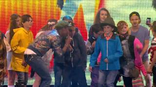 Pharrell Williams - Happy - Isle of Wight Festival 2015 - Live