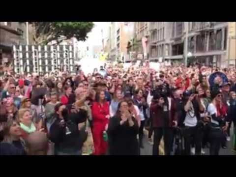 HELEN REDDY - JANUARY 2017 WOMEN'S MARCH IN LOS ANGELES - I AM WOMAN