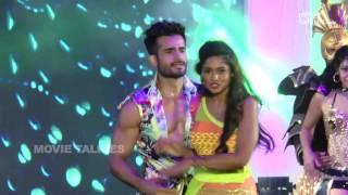 Karan Tacker & Arjun Bijlani Dance Performance