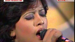 Ami Opar hoye boshe achhi-(Lalon's song) sung by Oyshee (Live on DESH TV)