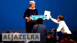 Comedian pranks UK's Theresa May with resignation stunt