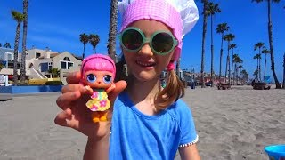 Polina Playing and Learning Colors with Sand Molds Top Videos By Polina