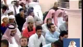 Subhanallah!!   Lelaki dengan wajah bercahaya direkamkan di dalam Masjid Nabawi