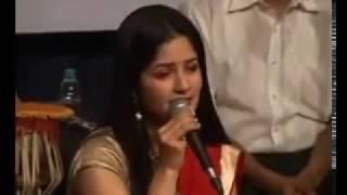 Lag Ja Gale ke Phir Ye Haseen Raat ho na ho... Awesome Performance