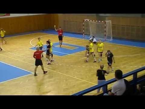 První poločas utkání TJ Sokol Poruba - HC Háje 1. kolo