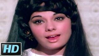 Mumtaz attracting Dharmendra in this Romantic Song Motiyon Ki Ladi Hu Mein -  Movie Loafer