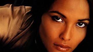 LOOK of Laura Gemser 看