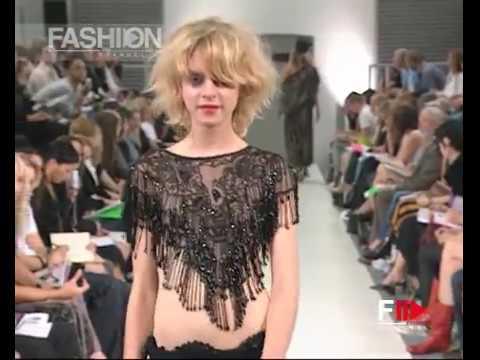 Xxx Mp4 MRS JONES SS 2003 London Full Show Fashion Channel 3gp Sex