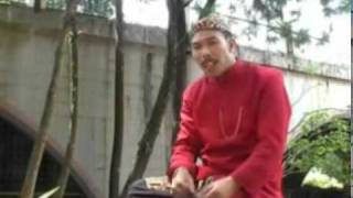 A Komara - Pupuhu Teladan  Video Clip