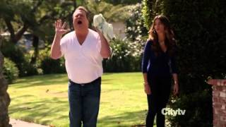 Stella!!!! (Streetcar Named Desire) scene from Modern Family