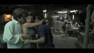 #916) Y tu mamá también (censored)