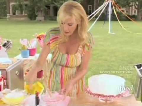 Sandra Lee May Day Centerpiece Cake