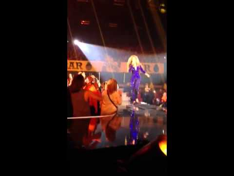 Fan grabs Beyonce's ass in Copenhagen (HD)