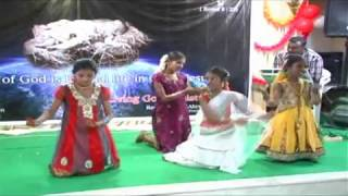 TELUGU CHRISTIAN GIRLS CHRISTMAS BEST DANCE FOR CHRISTMAS WATCH IT IS AWESOME