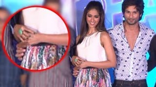 Shahid Kapoor PINCHES Ileana Dcruz On Waist : SHOCKING