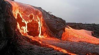 أنظر كيف تنفجر النار وتخرج من الجبال... أنظروا ما حدث سبحان الله !!