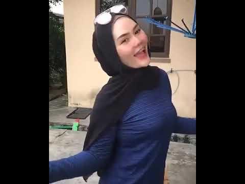 Xxx Mp4 HOT Goyang Hot Jilbab Pamer Tok3t Bikin Salfok 3gp Sex
