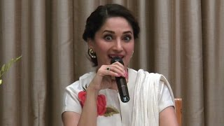 Must Watch: Madhuri's REACTION on Priyanka and Deepika's DANCE FACE OFF