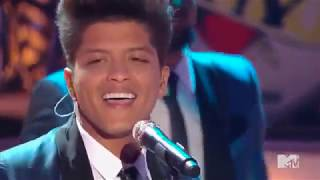 Bruno Mars - Valerie (Tribute to Amy Winehouse)