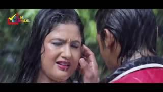 Barsaat Mein   Bhojpuri Hot Song In Rain   Hathiyaar Bhojpuri Movie   Bhojpu