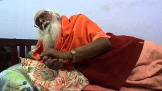 swami shanthananda puri maharaj at ramana ashram, tiruvannamalai (part 1/5)