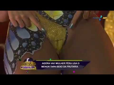 Mulher Pera sem tapa-sexo no carnaval