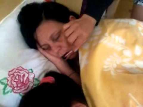 Minha mãe chupa ate dormindo veja que danadinha
