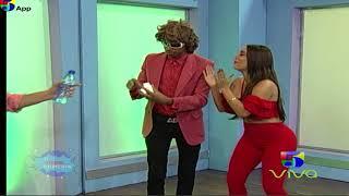 El Actor con la Colombiana El Show de la Comedia