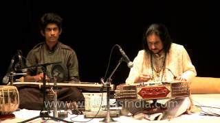 Indian instrumentalist Bhajan Sopori playing santoor