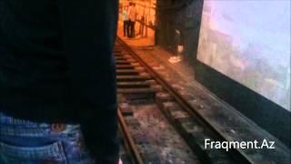 Bakıda 3 gənc metro tunelinə atıldı