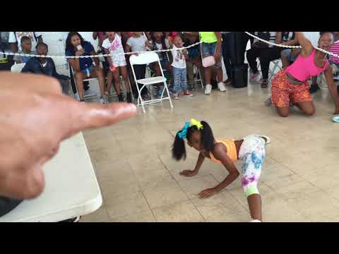 Xxx Mp4 ONE OF MOST ENERGETIC LIL GIRL DANCE BATTLE EVER OfficialTSquadTV Tommy The Clown 3gp Sex