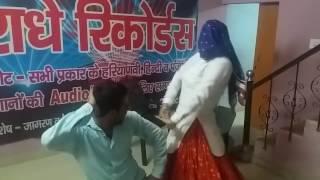 देशी SAPNA AND BINDER DANODA'S deshi DANCE ||CHAL MATKANI||