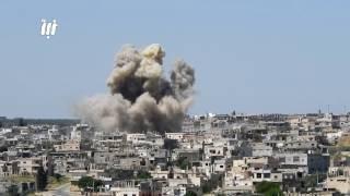 قصف عنيف من الطيران الحربي والمروحي وصواريخ الفيل على أحياء درعا البلد في مدينة درعا