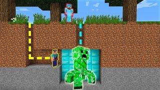 MINECRAFT - NOOB VS PRO: SURVIVAL IN CREEPER MAZE BATTLE in Minecraft