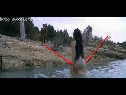 Aishwarya Rai exposed her Boobs and Ass in wet Gown