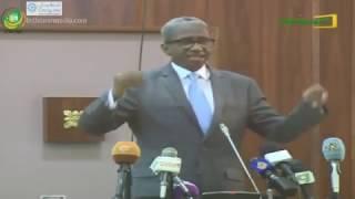 Le Ministre de la défense explique la procédure de révision constitutionnelle devant les sénateur.