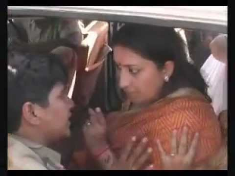 Angry Smriti Irani detained! Argues with Police at Rohtak. Protesting Rapes.