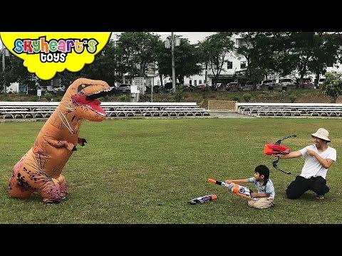 BAD DINOSAUR Hatching Eggs - Surprise T-Rex Attack Toddlers Jurassic dinosaur toys for kids