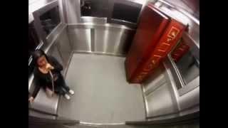 الكاميرا الخفية مرعبة جدا ومضحكة اكثر في المصعد