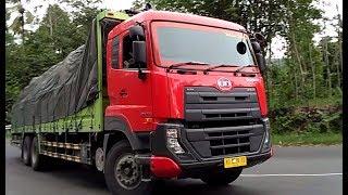 TRUK ini katanya Truck TRANSFORMER, coba lihat KEKUATANNYA... UD QUESTER TRUCKS Compilation