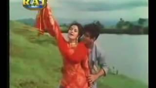 Dharti Kahe Pukar Ke (1969): Hum Tum Chori Se Bandhe Ek Dori Se