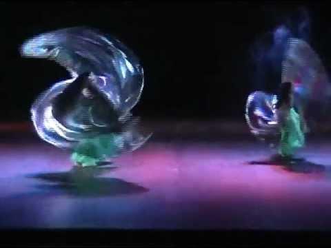 Alas de isis Ma.Ignacia y Aicha 2009 Academia Danza Arabe Aicha