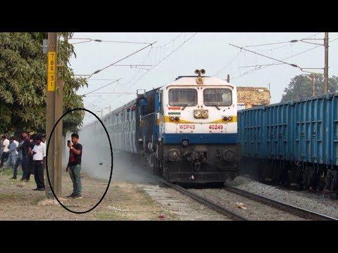 Xxx Mp4 SELFIE WITH TRAIN Dust Raising EMD ACTION 3gp Sex