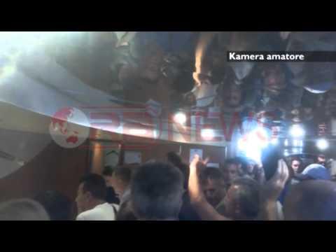 Itali Trageti pësoi defekt pas 10 orësh bllokim pasagjerët nga Bari drejt Durrësit Ora News