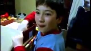 Garoto argentino ganha uma tabua de presente, e veja a reação dele..