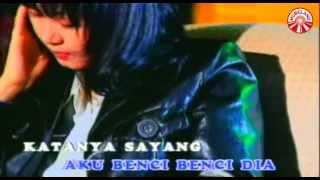 Annie Carera - Aku Benci [Official Music Video]