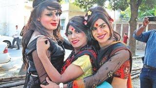 Hijra funny dance....................................